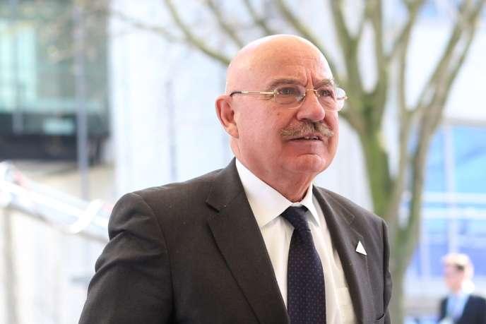 Le ministre des affaires étrangères hongrois Janos Martonyi