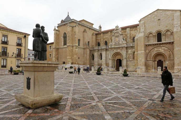 La basilique San Isidoro de Leon dans le Nord de l'Espagne.