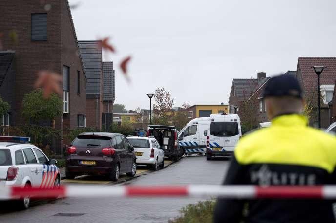 Intervention de la police néerlandaise à Reuver aux Pays-Bas en novembre 2013.