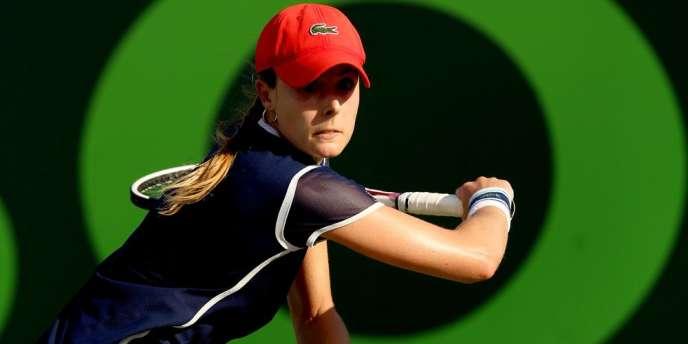 L'équipe de France féminine de tennis a peut-être laissé passer sa chance de retrouver l'élite de la compétition avec la défaite d'Alizé Cornet, qui a permis aux Américaines d'égaliser (1-1).