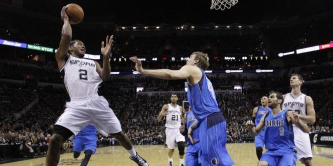 Les San Antonio Spurs ont souffert pour battre les Dallas Mavericks, dimanche 20 avril lors de leur premier match des play-offs.