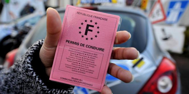 Les candidats au permis de conduire qui auront commencé la conduite accompagnée dès 15 ans pour passer le permis à 17 ans et demi.