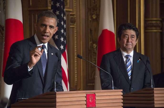En visite à Tokyo, le président américain a prévenu qu'il y aurait « des conséquences et des nouvelles sanctions » à l'encontre de la Russie si elle ne respectait pas l'accord signé le 17 avril à Genève.