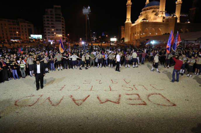 Des Arméniens commémorent le 99eanniversaire du génocide arménien, le 23avril 2014  à Beyrouth, au Liban.