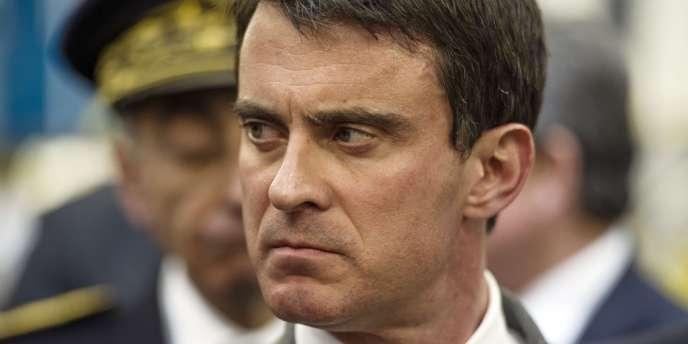 Manuel Valls, le 24 avril à Saint-Lubin-des-Joncherets (Eure-et-Loire).