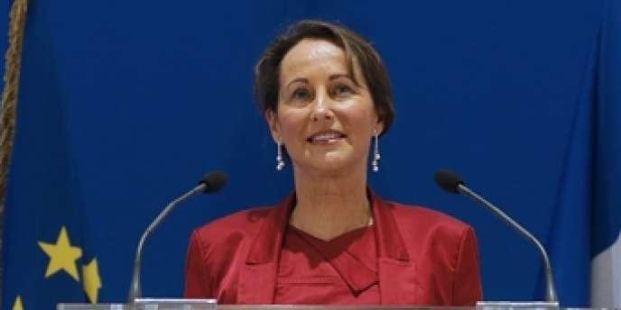 Ségolène Royal lors de sa première conférence de presse en tant que ministre de l'écologie dans le gouvernement Valls, le 25 avril 2014.