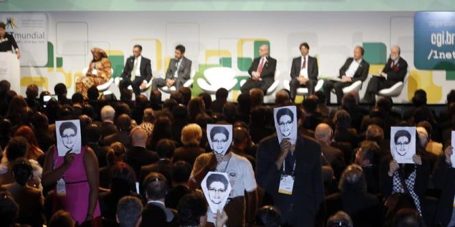Quelques mois après les révélations par Edward Snowden des écoutes américaines, le sommet international de Sao Paulo a demandé que la surveillance de données personnelles soit punie par la loi.
