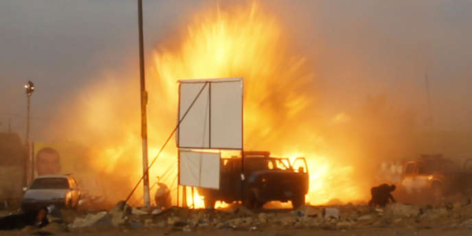 Image de l'explosion du 25 avril au stade Sina de Bagdad.