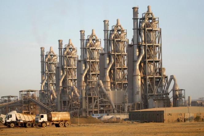L'industrie du ciment égyptienne parie sur le charbon pour pallier la pénurie de gaz naturel qui frappe le pays depuis la fin des années 2000.