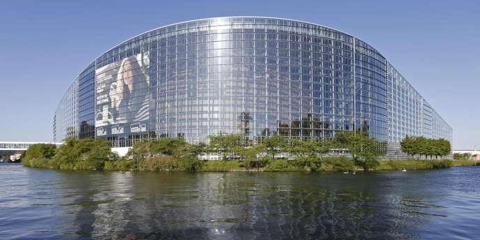 Le Parlement européen, le 15 avril.