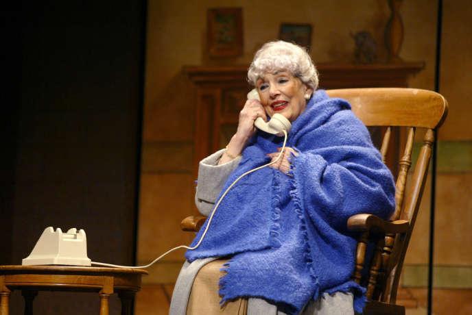 La comédienne Micheline Dax, au Théâtre Saint-Georges à Paris dans