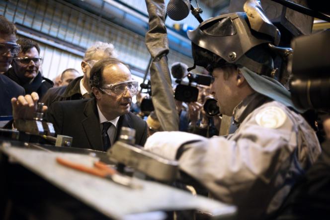 François Hollande visite une usine Alstom en 2012 pendant la campagne présidentielle.