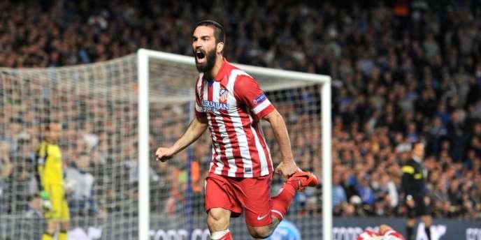 Adan Turan célèbre son troisième but, le 30 avril.
