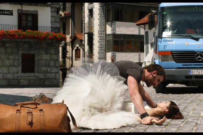 Rafa (Dani Rovira) est amoureux de la jeune Basque Amaia (Clara Lago) dans