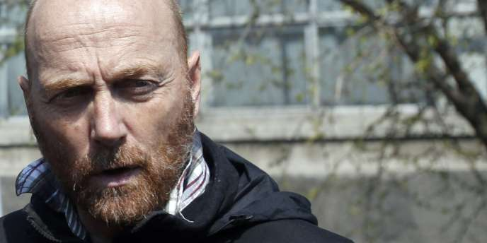 Le chef du groupe des inspecteurs de l'OSCE, le colonel allemand Axel Schneider.