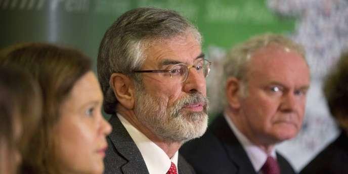 Le dirigeant du Sinn Fein est sorti dimanche de quatre jours de garde à vue à propos d'un meurtre commis par l'IRA en 1972.
