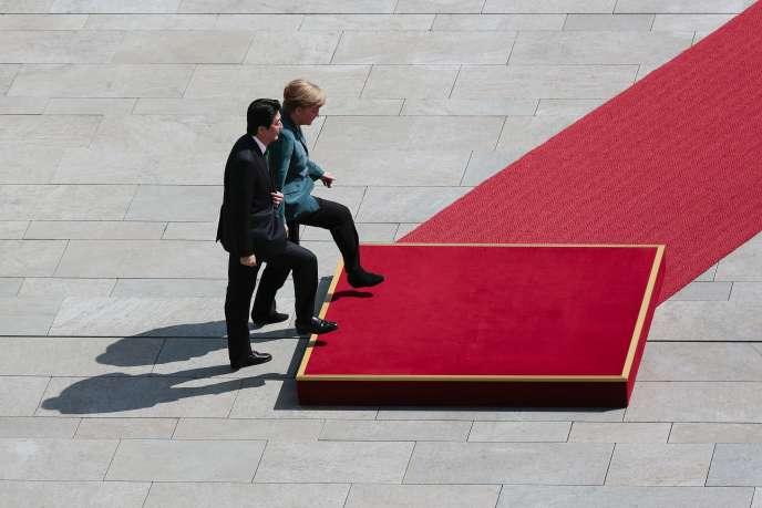 Shinzo Abe et Angela Merkel, le 30 avril à Berlin.