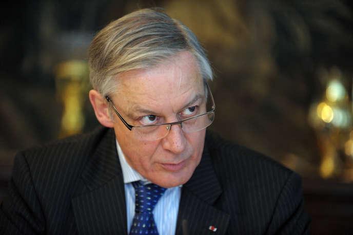 « Quand on dévie des engagements sur lesquels on s'est porté, on risque une perte de crédibilité», rappelle le gouverneur de la Banque de France.