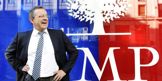 Thierry Mariani, le 6 juin 2014, devant le siège de l'UMP (AFP).