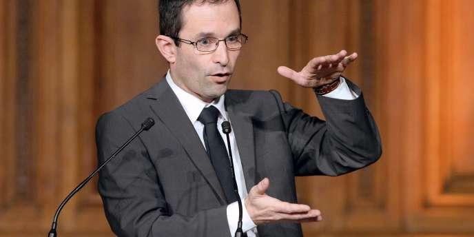 « Le fonds d''amorçage sera reconduit en 2015-2016, et le montant calibré pour que les communes qui connaissent de grandes difficultés » puissent sauter le pas, a affirmé le ministre mercredi sur France Inter.