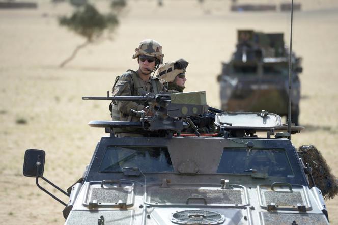 Patrouille française au Mali, lors de l'opération Hydra, en octobre 2013.