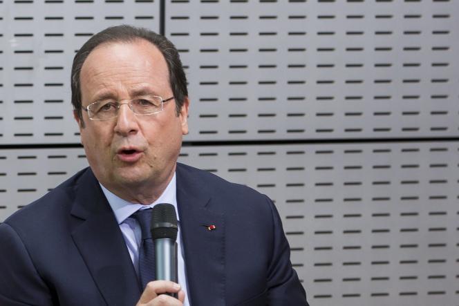 François Hollande, le 6 mai à Villiers-le-Bel (Val-d'Oise).
