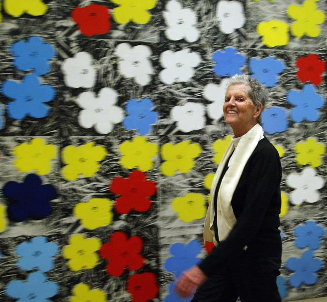L'artiste américaine Sturtevant et son tableau