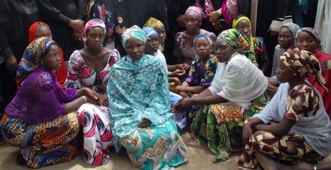 Des filles ayant échappé à leurs ravisseurs de Boko Haram, le 5 mai.