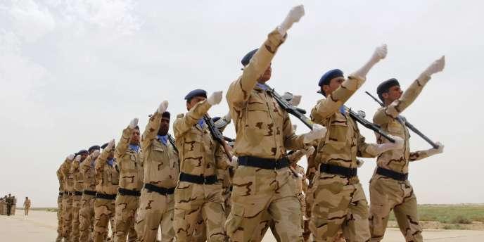 Des soldats irakiens lors de la célébration du 83e anniversaire de la fondation de l'armée de l'air irakienne.
