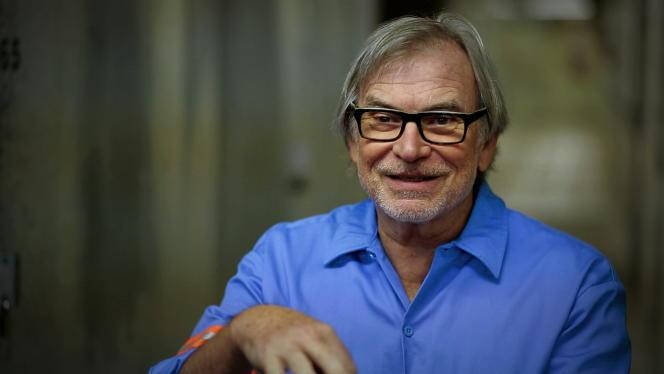 Hardy Fox, l'un des membres fondateurs de la Cryptic Corporation en 1976, souvent considéré comme le