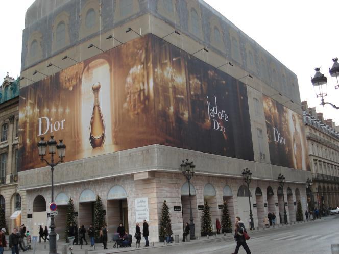 Sur la place Vendôme, les baux commerciaux atteignent désormais 10 000 euros par mètre carré et par an.