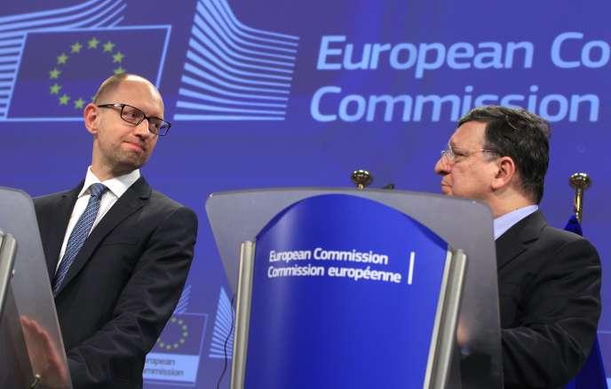 Arseni Iatseniouk et Jose Manuel Barroso, le 13 mai à Bruxelles.