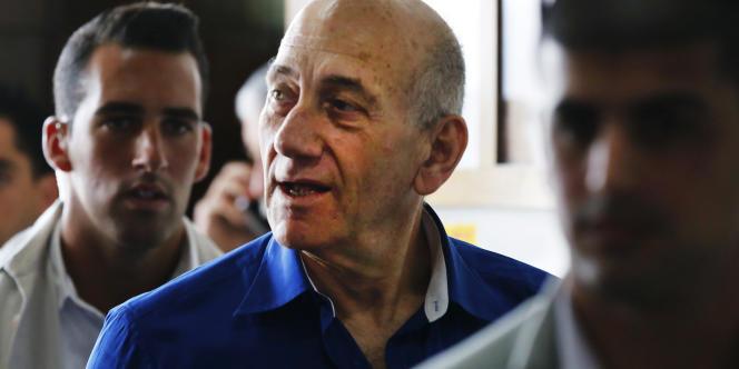 L'ex-premier ministre, 68 ans, avait été reconnu le 31 mars coupable d'avoir touché des pots-de-vin dans le cadre d'un énorme scandale immobilier à Jérusalem.