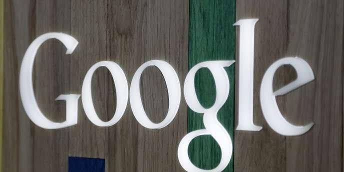 Selon le classement BrandZ Top 100 2014 du cabinet Milward Brown, avec une valeur évaluée à 158 milliards de dollars, Google se classe première dans le monde devant celle d'Apple et d'IBM