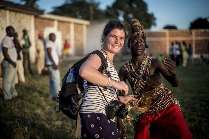L'Elysée a annoncé que la journaliste indépendante Camille Lepage a été « assassinée » dans la région de Bouar. Son corps a été retrouvé par des soldats de l'opération Sangaris.