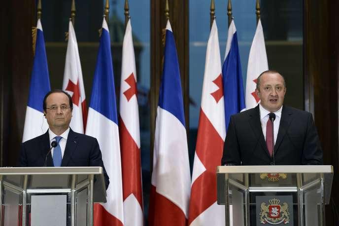 François Hollande et Guiorgui Margvelachvili, le président géorgien, à Tbilisi, le 13 mai.