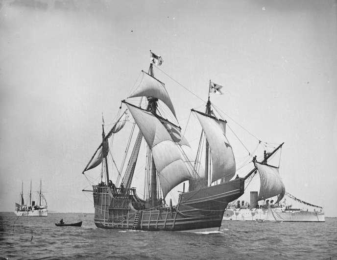 Un réplique de la «Santa-Maria», créée et photographiée en1892.