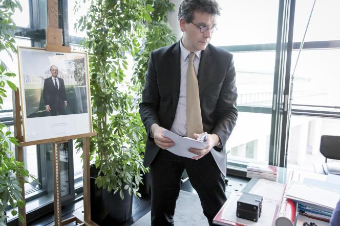 Arnaud Montebourg, dans son bureau à Bercy, mercredi 14 mai.