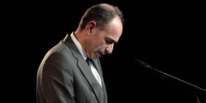 Mis sous pression par ses rivaux au sein du parti, le président de l'UMP s'est résigné à quitter ses fonctions dès le 15 juin.