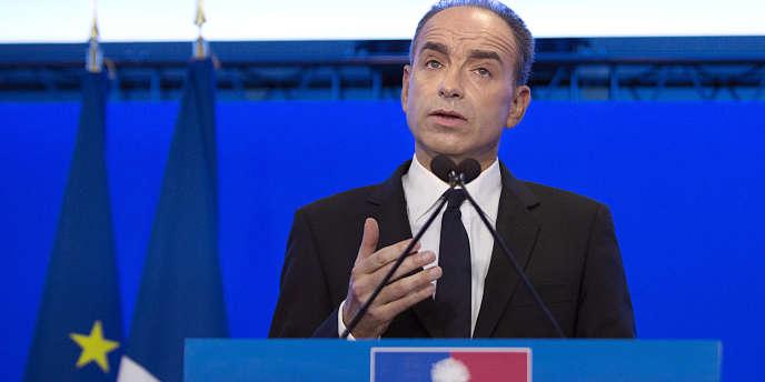 Jean-François Copé se défend devant la presse suite aux révélations du Point, le 3 mars 2014, dans les locaux de l'UMP.