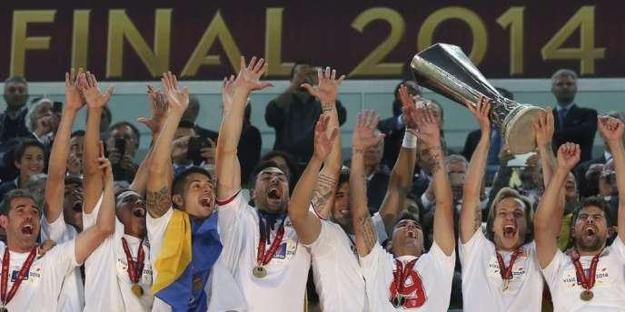 Au bout d'une finale très indécise, les Sévillans ont battu le Benfica Lisbonne aux tirs au but (0-0, 4-2), remportant la compétition pour la troisième fois.