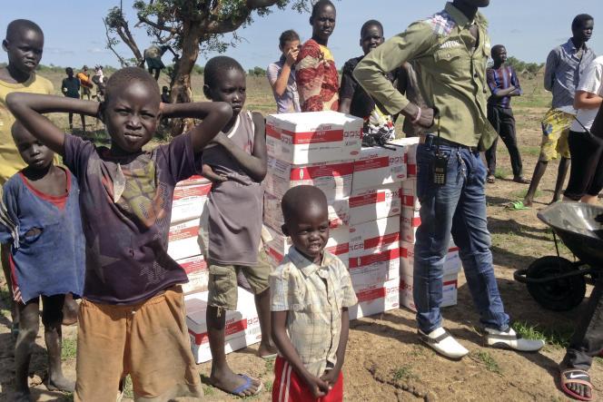 Distribution d'aide humanitaire par Médecins sans frontières au Soudan du Sud, le 7 mai.