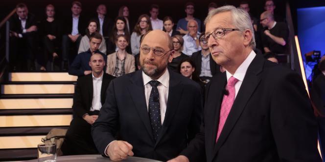 Martin Schulz et Jean-Claude-Juncker, prétendants au poste de président de la Commission, avant le débat du 15 mai.