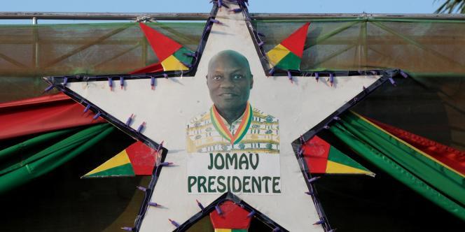 Portrait de José Mario Vaz, candidat à la présidentielle en Guinée-Bissau, le 16 mai.