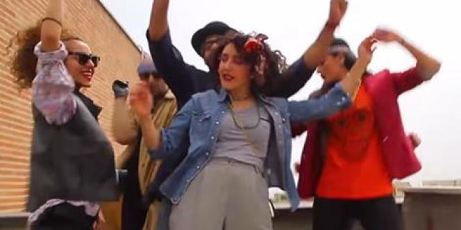 Capture d'écran du clip vidéo tourné par des jeunes Iraniens à Téhéran.