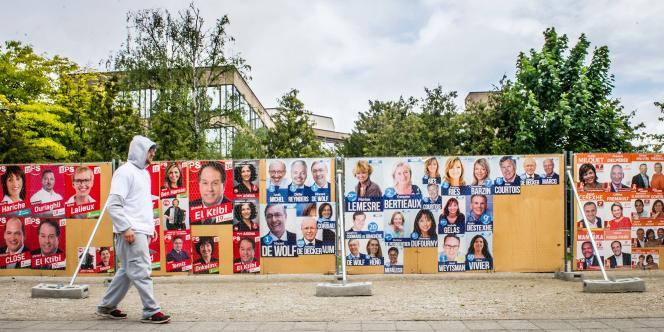 Affiches électorales en Belgique avant les élections européennes et nationales du 25 mai.