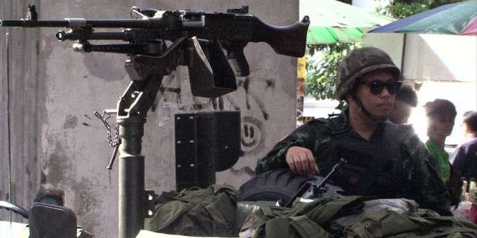 Loi martiale imposée en Thaïlande.