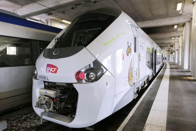 Présentation fin avril d'une rame des nouveaux TER Regiolis.