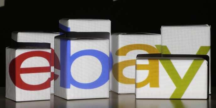 Le logo d'eBay, projeté dans les locaux de l'entreprise à Varsovie, le 21 janvier.