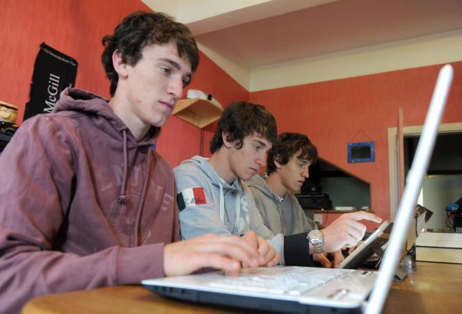 L'inscription sur le site d'admission post-bac (APB) est une étape cruciale pour l'orientation.